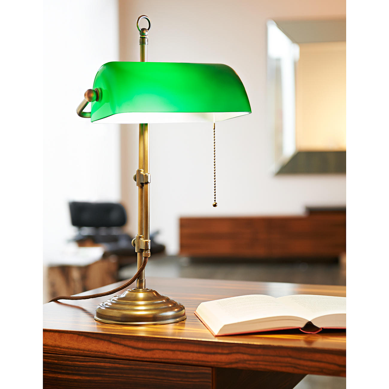 buy brass banker s lamp 3 year product guarantee. Black Bedroom Furniture Sets. Home Design Ideas