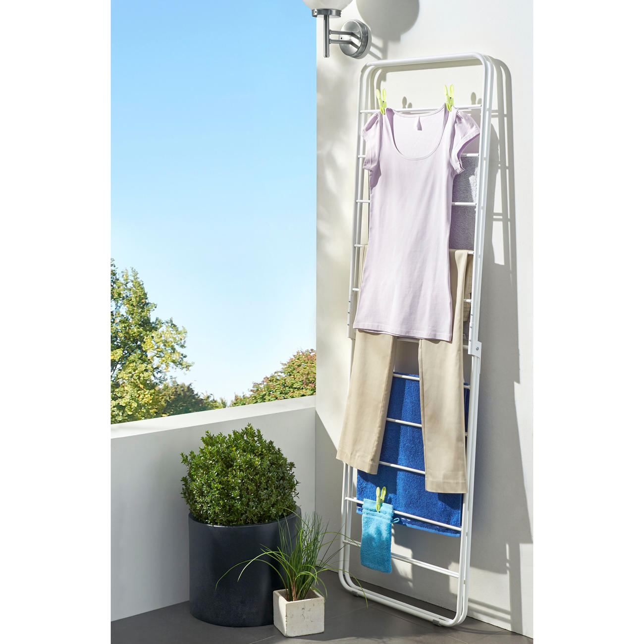 buy x dryer clothes airer 3 year product guarantee. Black Bedroom Furniture Sets. Home Design Ideas