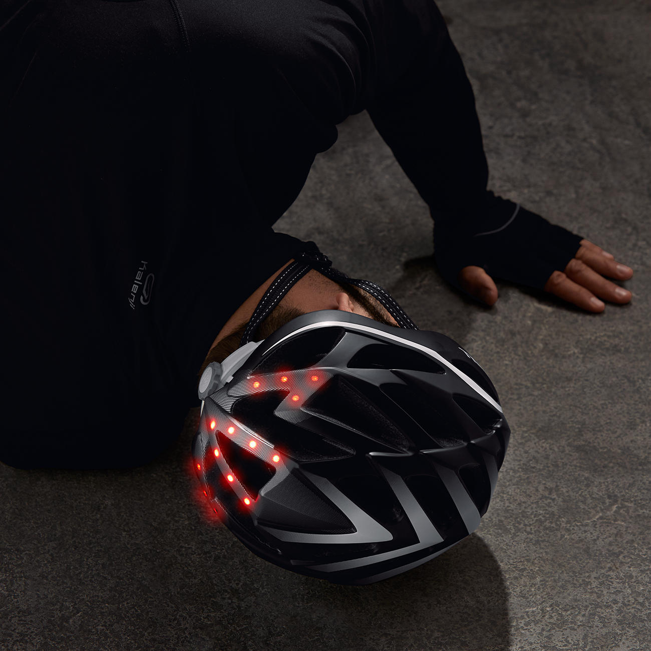 New Helmet Sends Distress Message in Case of Accident