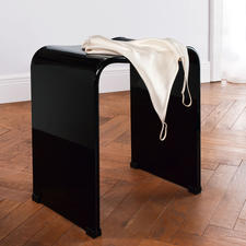 Thanks to its glossy finish, the acrylic stool is a real gem in your dressing room or bedroom.