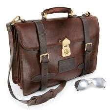 A4 Navigation Bag - The flight case of American pilots in the 30s. A legend today.