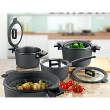 Non-stick Premium Cookware - Multiple award winning premium cookware made of hand-cast aluminium with diamond seal and clever lid.
