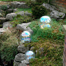 Just like real soap bubbles, these balls reflect the incoming light.