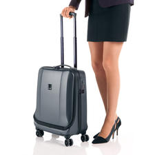 TITAN® Xenon Deluxe Business Wheeler - Easy access to your laptop – get through security checks faster.