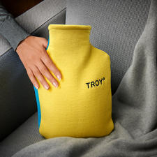Heat retaining two-sided cover. The yellow side of the cover lets you feel the pleasant warmth. The blue side is double layered and retains the heat much longer. Thanks to the two different colours, the sides can't be mixed up.