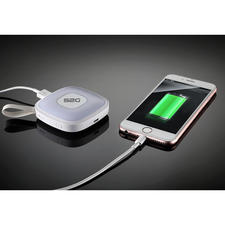 A charging capacity of 2,000mAh is sufficient for a full smartphone charge or to recharge your e-reader or tablet.