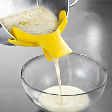 """Pouring Spout """"Ducky"""" - Much more original than conventional pouring spouts."""
