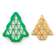 19 perfectly shaped Christmas tree biscuits with a single movement ...
