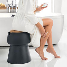 Also ideal as an extra seat when dressing in the bathroom.