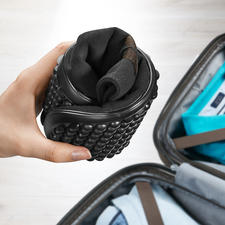 Extremely flexible – saves space in (travel) luggage too.