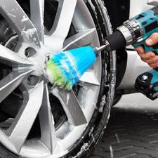 Just attach the brush handle to your battery-operated drill, apply a bit of cleaning agent and get going.