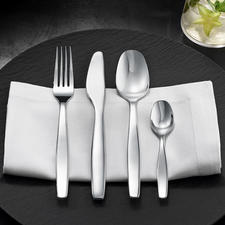 Alessi Cutlery Itsumo - Chic design that is robust enough for daily use. Designed by Naoto Fukasawa.