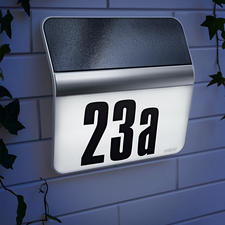 House Number Light XSolar - Stores reserve energy for up to 12 nights. Functions independent of mains current and weather.