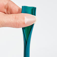 Can be opened lengthwise with one hand-perfect for hygienic cleaning.