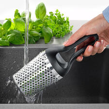 Rösle Herb Rinser - Wash, dry and mince garden herbs – quickly and easily as never before.