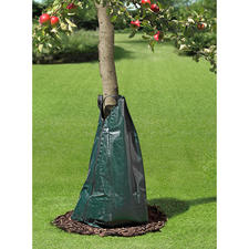 Irrigation Bag - Watering like the pros: The water irrigation bag with metered droplet delivery.
