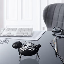 Paper Clip Sheep - Eye-catcher on your desk: Blacky the Sheep magnetically attracts paper clips.