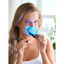SmilePen Power Whitening Kit - Bright white teeth using the professionals' method, comfortably at home.