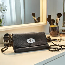 Belt Bag - One bag, three variable styles – perfect for countless occasions. Made of premium, soft leather.