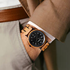 An exceptional and stylish unique piece for your wrist.