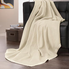 Silk Fleece Blanket - As cosy and lightweight as fleece - yet made of pure silk. A delight against your skin.