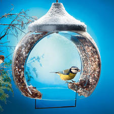 Bird-Feeding Bell - The feeding place is right inside the bell, which protects the seeds from the rain and snow.