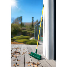 Claw Broom Set, 3-piece - Easily removes dirt from hard-to-reach areas. 3-piece set. Perfect indoors and out.