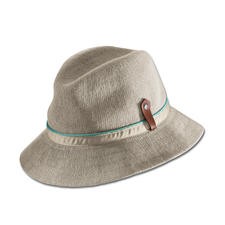 Kangol® Summery Knitted Hat - Knitted instead of woven: Airier, more summery and remarkably stylish.