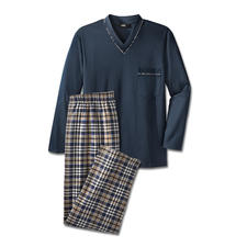 Favourite Pyjamas, Long No. 4 - Pure cotton, neatly processed, made in Germany. With full-length trousers for the cold weather.