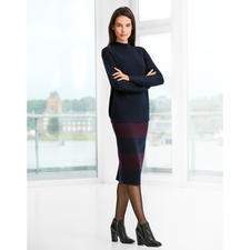 Oversized Pullover or Knitted Pencil Skirt - A look inspired by the catwalk trends: A completely knitted outfit. Stripes. Navy/red.