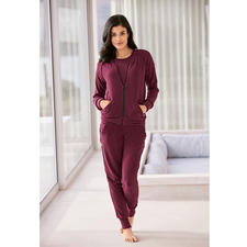 Soft Leisure Suit - Soft as cashmere. Never too warm. And easy to wash in the machine. The three-piece leisure suit.