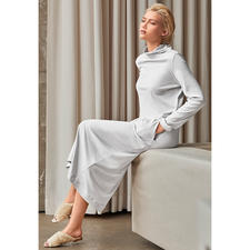 Hanro Loungewear Dress - Clean-chic. Figure-hugging. Maxi length. Trendy colour. Fashionable interpretation of the cosy lounge dress.