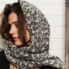 Henriette Steffensen Leopard Hooded Scarf - 200 gram light multi-talent: The leopard-print hooded scarf made of fine fleece. By Henriette Steffensen.