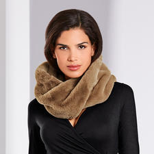 Unechta Fake Fur Loop Scarf - Fashionable update for your coats, jackets, cardigans, pullovers, ... The loop scarf made of trendy faux fur.