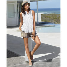 TWINSET blouse tank top or linen shorts - It is rare that a sporty trend ensemble is so stylish, feminine and grown up. By TWINSET, Milan.