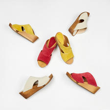 "Sanita® Wooden Sandals - ""Hygge"" for your feet: Fashionable wooden sandals with soft suede leather and comfortable Flex sole."