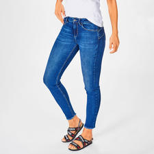 """Liu Jo Bottom up Jeans """" Better Denim"""" - The tried and tested Liu Jo lifted bum effect – for the first time of organic sustainable denim."""