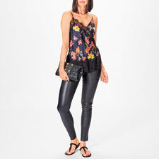 Liu Jo Lingerie Flower Top - More top than lingerie thanks to the stylish flower design and exceptional lace details.