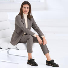 Seventy Mini Houndstooth Trousers or Blazer - Fashionable makeover for the classic check suit: New colours. Masculine cut. Soft jersey.