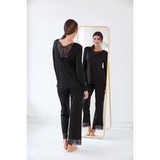 Hanro Lace Pyjamas - Decorated with feminine lace inserts: Elegant couture version of pyjamas. By Hanro.