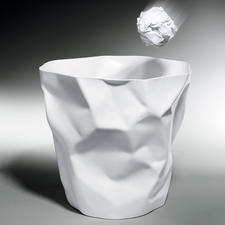 Crumpled Wastepaper Bin - At first it seems made of paper – yet it's actually very strong and sturdy.