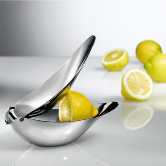 Designer Lemon Squeezer Serve freshly squeezed juice elegantly and without pips. No splashes, no mess.