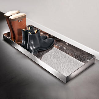 """Alligator"" Boot Tray Elegant storage space for wet shoes and muddy boots."