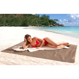 Sandless Beach Mat No more annoying sand on your beach mat. US-patent. Large enough for 2 people.