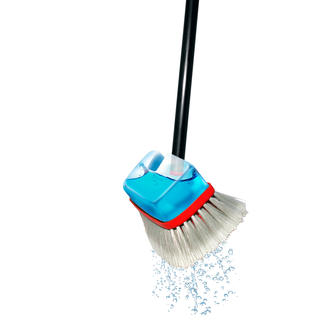 Telescopic Activebrush™ Clean as if you are using running water, but without a hose.