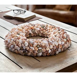 Natural Shell Wreath Charming natural beauty – wreath with up to 400 seashells in 8 naturally grown shapes.