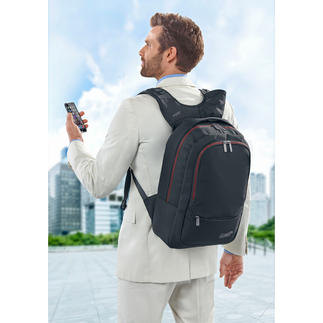 WolffepackTM Backpack Swings with one single movement from back to front, without loosening the shoulder straps.