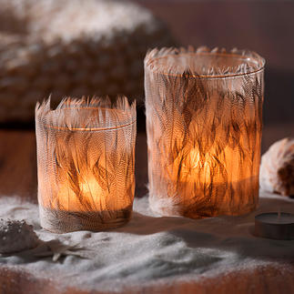 Lantern With Feathers, Set of 2 Spreads a particularly warm and gentle light. In tune with natural and ethnic trends.