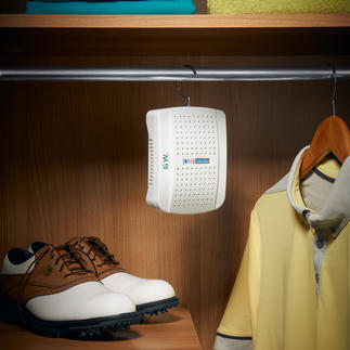 Compact Dehumidifier with indicator Protects clothing, shoes and sports equipment against humidity and mould.
