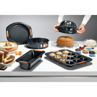 Le Creuset Non-Stick Baking Tins At last – bakeware that really is non-stick. With an extremely smooth silicone coating.